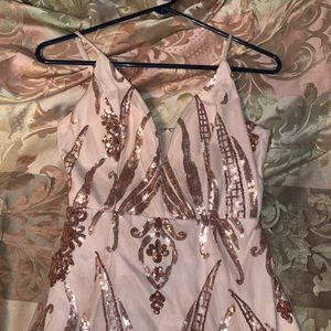 Dresses - Formal dress, only work once. Paid 85. Size M